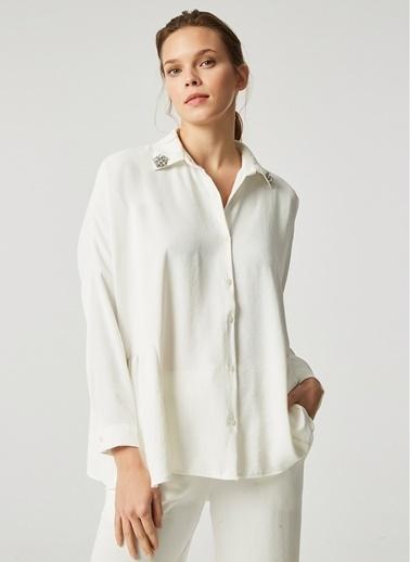 Monamoda Bol Kesim Yakası Taşlı Bluz Takım Üst Beyaz